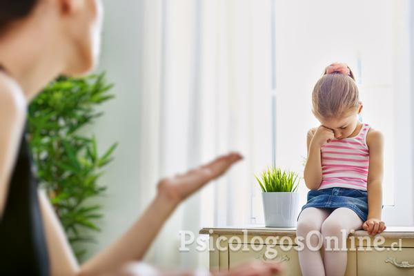 Evita estas frases cuando eduques a tu hijo