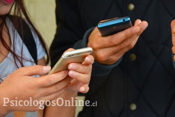 Si eres adicto al celular, sigue estos consejos